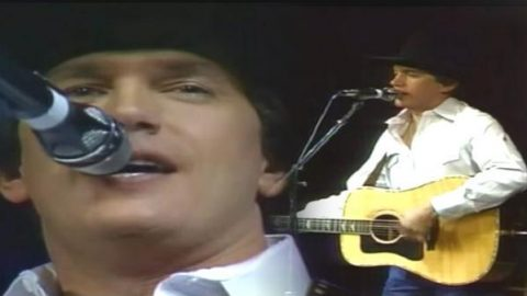 George Strait – Hot Burning Flames (VIDEO)   Country Music Videos
