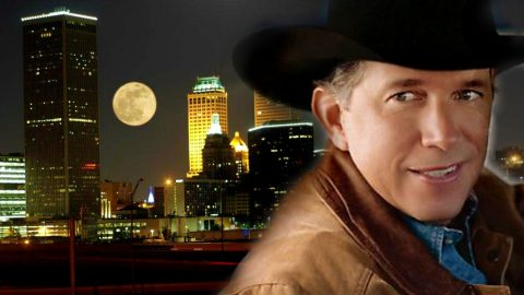 George Strait – Take Me Back to Tulsa (Live From The Astrodome) (VIDEO) | Country Music Videos