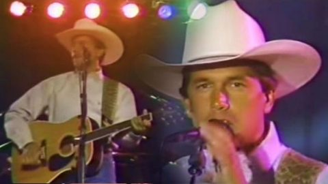 George Strait – There Stands The Glass – The Big Valley Jamboree 1990 (WATCH) | Country Music Videos