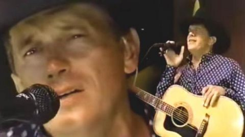 George Strait – You Can't Make A Heart Love Somebody (1996 Houston Rodeo) | Country Music Videos