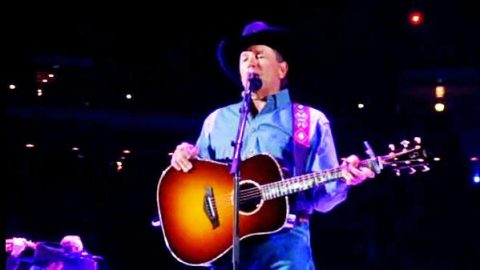 George Strait – She'll Leave You With a Smile (LIVE) (VIDEO)   Country Music Videos