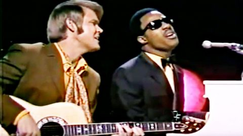 Stevie Wonder & Glen Campbell Honor Bob Dylan With Stunning Signature Song | Country Music Videos