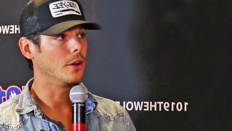 Granger Smith Finally Explains What Really Happened During Stage Fall   Country Music Videos