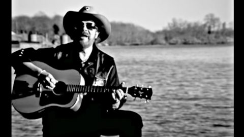 Bocephus Proves A 'Country Boy Can Survive' While Rolling Down The Mississippi | Country Music Videos