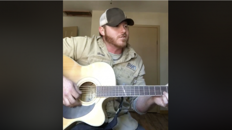 Singing Oilfield Worker's Smooth Cover Of Nostalgic Country Hit Will Leave You Wanting More | Country Music Videos