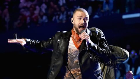 Super Bowl Roars After Justin Timberlake's Long Awaited Half-Time Return   Country Music Videos