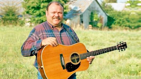 Bluegrass Legend Dead At 58 | Country Music Videos