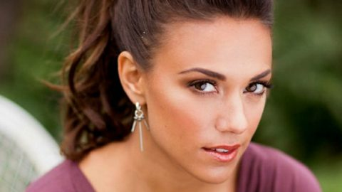 Jana Kramer No Longer Friends With Person Who Leaked Intimate Details Of Her Marriage | Country Music Videos