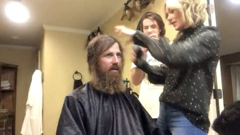 fa7083aab4b Duck Dynasty Brother Shaves His Beard For A Good Cause And The Result Is  Shocking
