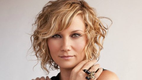 Jennifer Nettles Rushed To Hospital After Horrible Accident | Country Music Videos