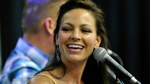 Joey Feek Dies After Courageous Cancer Battle | Country Music Videos