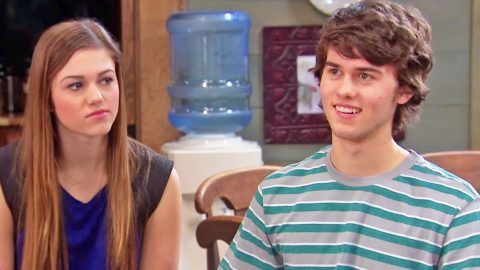 John Luke Robertson Ends Awkward Streak With Help From Family (HILARIOUS) (WATCH) | Country Music Videos