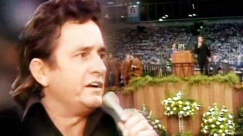 Johnny Cash – Peace In The Valley   Country Music Videos