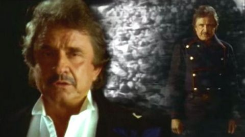Johnny Cash – Sixteen Tons | Country Music Videos