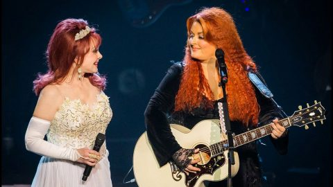 The Judds' Final Show: Wynonna Struggles With Mom's Departure From Music | Country Music Videos