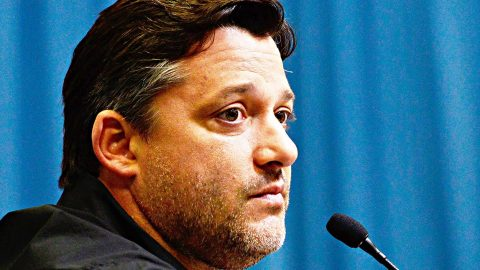 Judge Refuses To Dismiss Tony Stewart Wrongful Death Suit | Country Music Videos