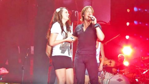 Keith Urban Brings Nervous Teen On Stage For Epic Sing-Off | Country Music Videos
