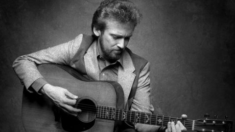 Keith Whitley Captivates With Signature Song, 'When You Say Nothing At All' | Country Music Videos