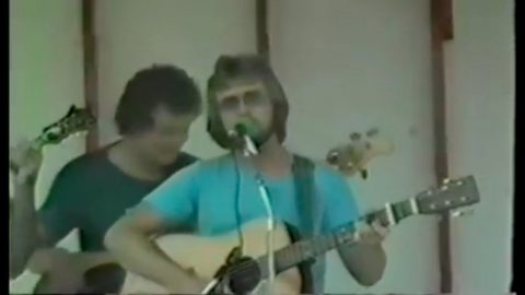 Keith Whitley Shows Off Impressive Bluegrass Vocals In Rare Early Video | Country Music Videos