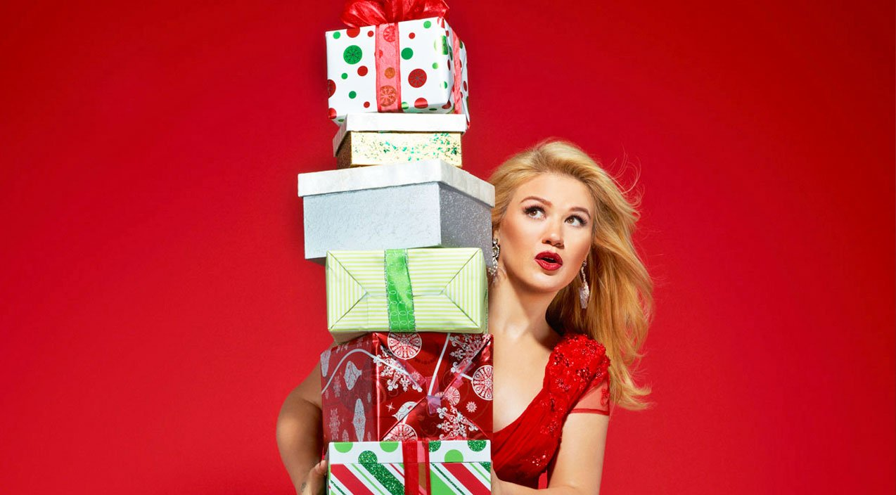Is Kelly Clarkson\'s Christmas Card Hinting At The New Baby Name ...