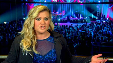 Kelly Clarkson Shares The One Thing She Will Never Tell Her Children About | Country Music Videos