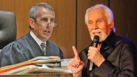 NOT GUILTY: Judge Uses Kenny Rogers' Song To Strike Down Ruling | Country Music Videos