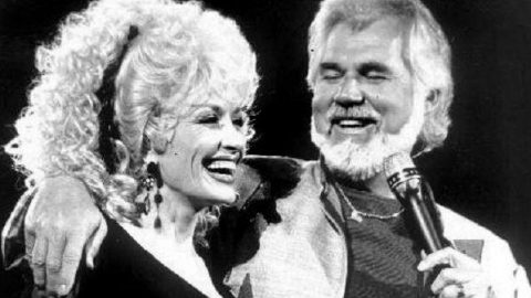 Kenny Rogers and Dolly Parton – Tell Me That You Love Me (VIDEO) | Country Music Videos