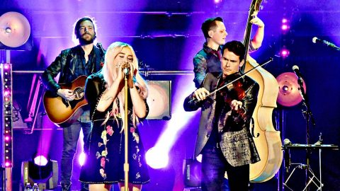 Kesha & Old Crow Medicine Show Deliver Jazzy Harmonica Duet Of Viral Pop Song | Country Music Videos