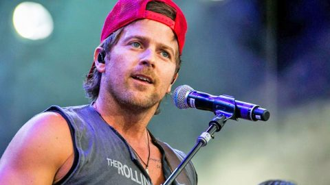 Kip Moore Reveals Thoughts On His 'Obsessed' Fan | Country Music Videos