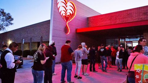 Crowds Flock To Donate Blood In Las Vegas Following Mass Shooting   Country Music Videos