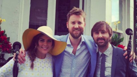 Lady Antebellum Pulls Off Flawless National Anthem In The Rain Prior To Kentucky Derby | Country Music Videos