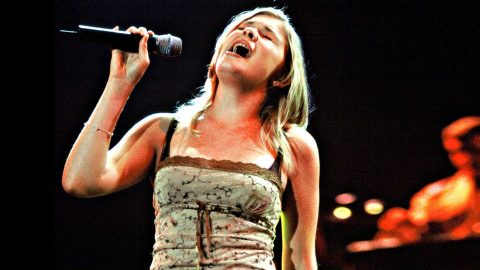 14-Year-Old LeAnn Rimes Blows Crowd Away With Rare 'I Will Always Love You' | Country Music Videos