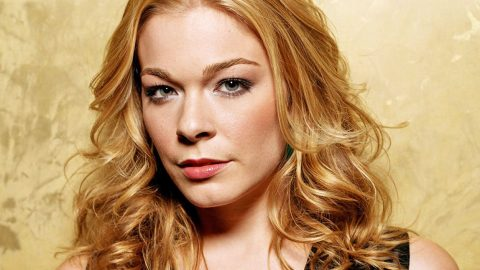 Unexpected Health Problem Forces LeAnn Rimes To Cancel Concert | Country Music Videos