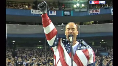 "Lee Greenwood's ""God Bless The USA"" Fills Yankee Stadium With Sound 