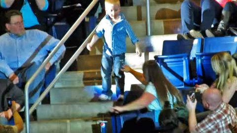 5-Year-Old Stands Up During Country Concert, But When He Steps Into The Aisle? The Crowd LOSES IT! | Country Music Videos