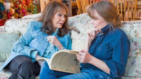 Loretta Lynn's New Documentary Uncovers More About Her Colorful Past | Country Music Videos