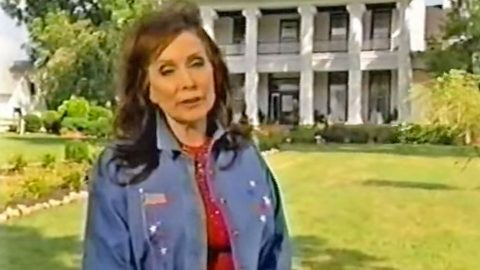 The Haunted Encounters At Loretta Lynn's Plantation Home Will Give You Chills   Country Music Videos
