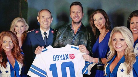 Luke Bryan Joins The Dallas Cowboys For This Truly Inspiring Announcement | Country Music Videos