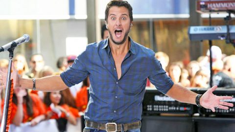 Luke Bryan's Big Secret Revealed To The World… WHOOPS | Country Music Videos