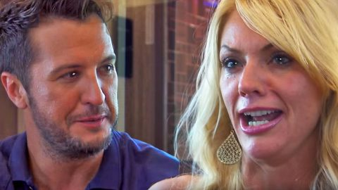 Luke Bryan's Surprise Family Serenade Will Leave You In Tears   Country Music Videos