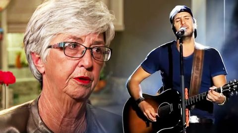 Luke Bryan Confesses What Made His Mom Break Down In Tears | Country Music Videos