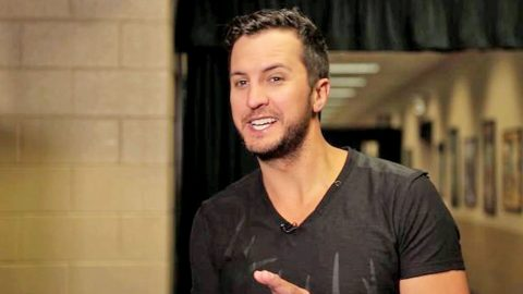 Luke Bryan Reveals SHOCKING Rule For Meeting Fans | Country Music Videos