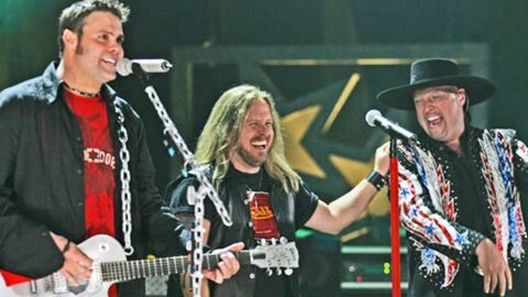 The Earth Shook When 2 HUGE Southern Rock Groups Slayed 'Sweet Home Alabama' | Country Music Videos