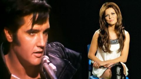 Elvis Presley And Martina McBride Share The Stage For 'Blue Christmas' Duet | Country Music Videos