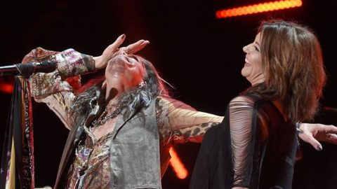 Martina McBride Gives Steven Tyler The Surprise Of A Lifetime!   Country Music Videos