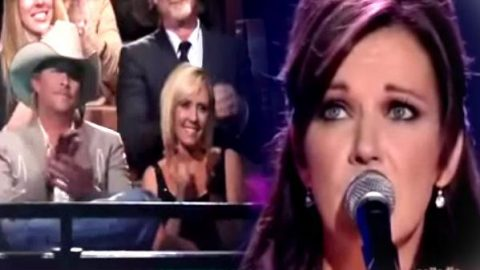 Martina McBride – When Somebody Loves You (Tribute To Alan Jackson) | Country Music Videos