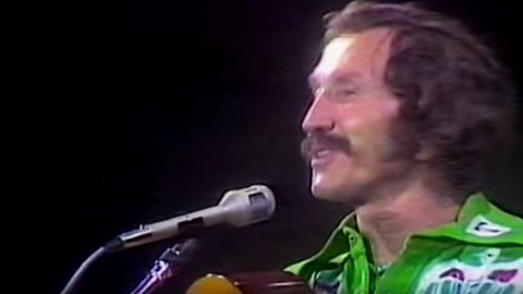 Marty Robbins Shines In Rare Live Performance Of 'El Paso' | Country Music Videos