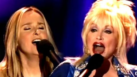 Melissa Etheridge and Dolly Parton – Come To My Window | Country Music Videos