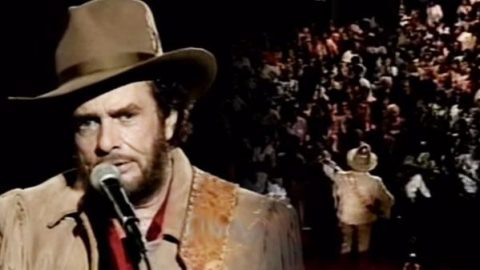 Merle Haggard – The Fightin´ Side Of Me   Country Music Videos