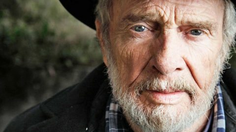 Merle Haggard Was Brought To Tears After What One Fan Did | Country Music Videos